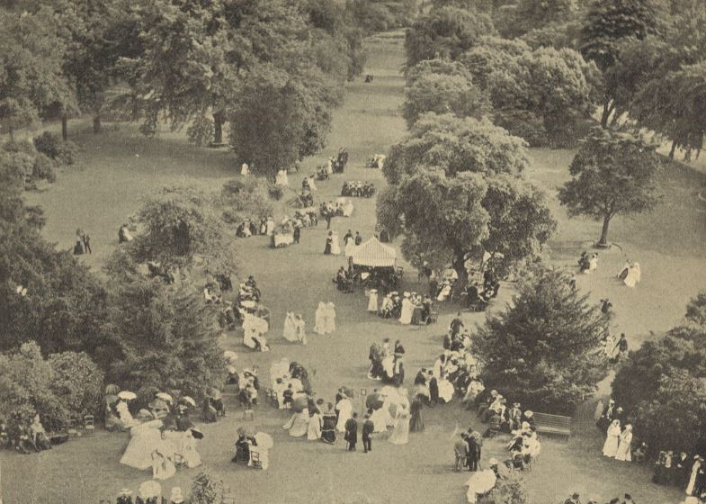 The Mayor's Garden Party at the Pump Room in 1905, from above<br><small><i>Cheltenham Chronicle and Gloucestershire Graphic</i> 15 July 1905</small>