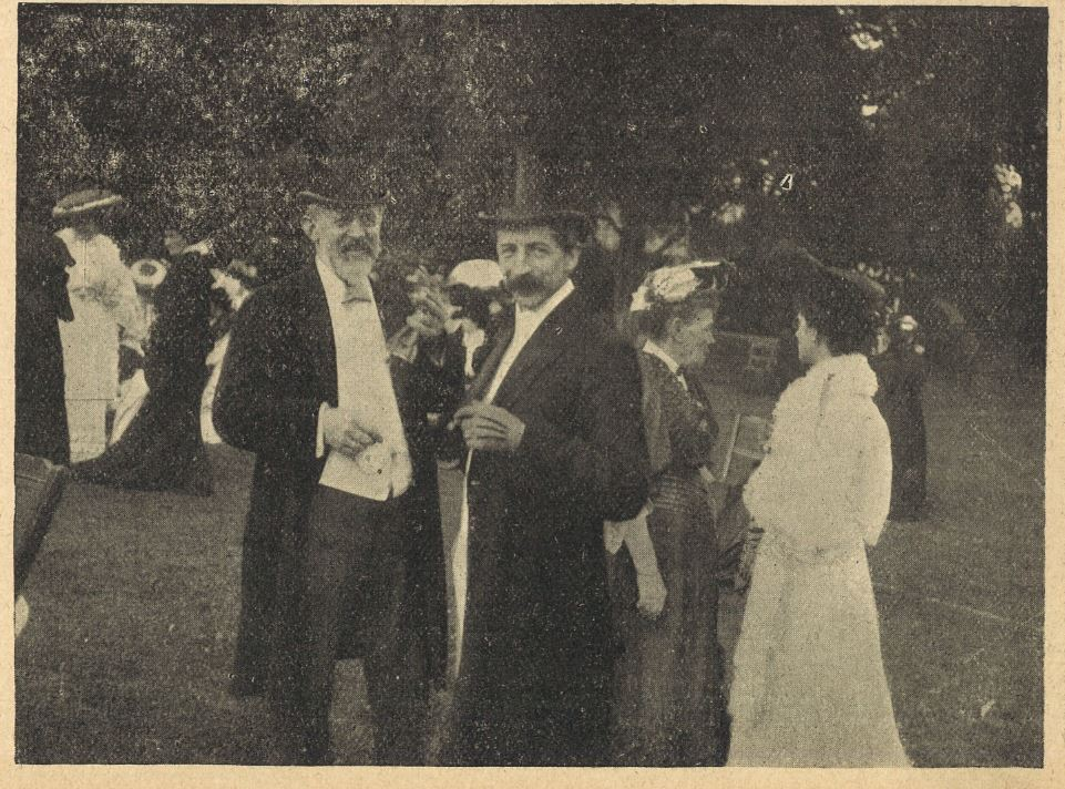 Two of the Mayor's guests smile and chat the afternoon away<br><small><i>Cheltenham Chronicle and Gloucestershire Graphic</i> 15 July 1905</small>