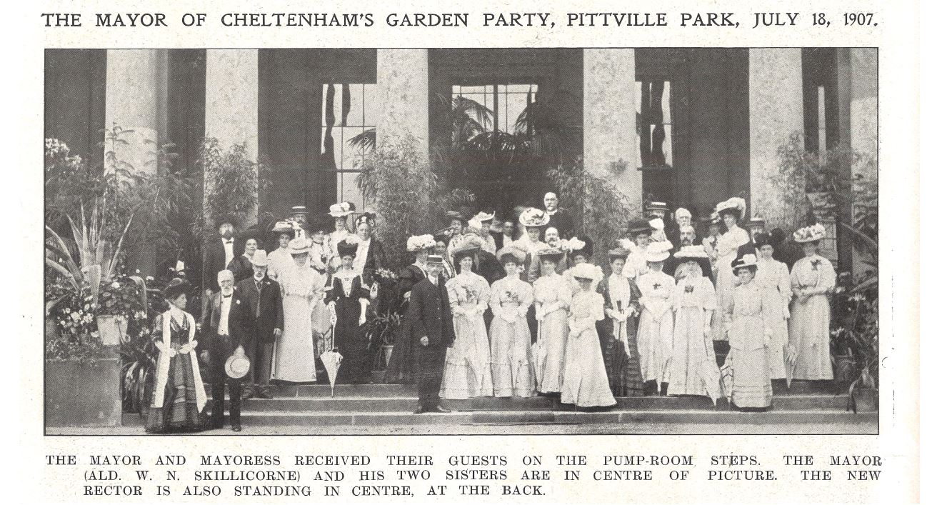 The Mayor (Alderman W. N. Skillicorne), his two sisters, and the cast<br><small><i>Cheltenham Chronicle and Gloucestershire Graphic</i> 27 July 1907</small>