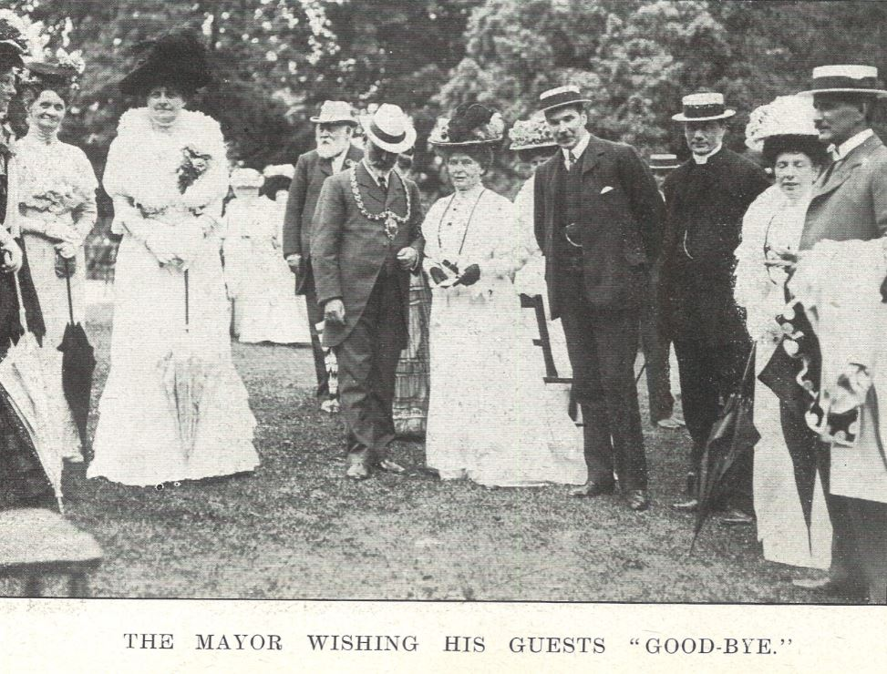 At the close of the 1908 Garden Party<br><small><i>Cheltenham Chronicle and Gloucestershire Graphic</i> 25 July 1908</small>